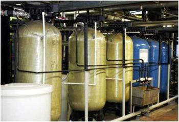 Крупные промышленные установки для умягчения воды ионным методом.