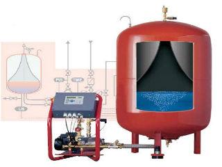 Гидробак для горячего водоснабжения, 80 л, в разрезе.