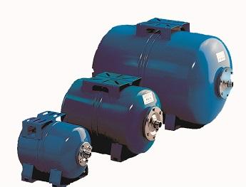 Горизонтальные баки-гидроаккумуляторы различного объема.