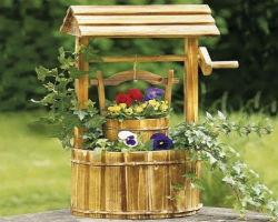 Колодец декоративный, деревянный с цветником
