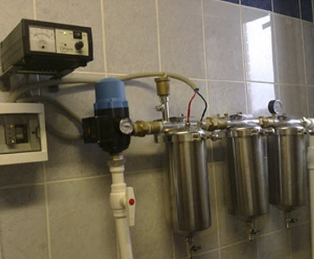 Наиболее распространенный вариант подключения фильтра в систему водопровода.