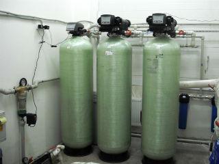 Крупные установки для умягчения и обезжелезивания воды.