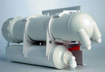 Двойной фильтр для умягчения воды путем ее ионизации.