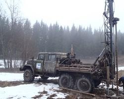 Установка роторного бурения на базе грузового автомобиля
