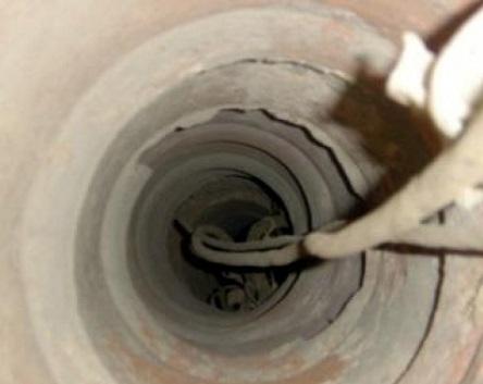 Провисший в скважине трос - одна из причин того, что насос застряет