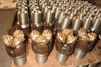 Трехшарошечные малогабаритные изделия на производстве