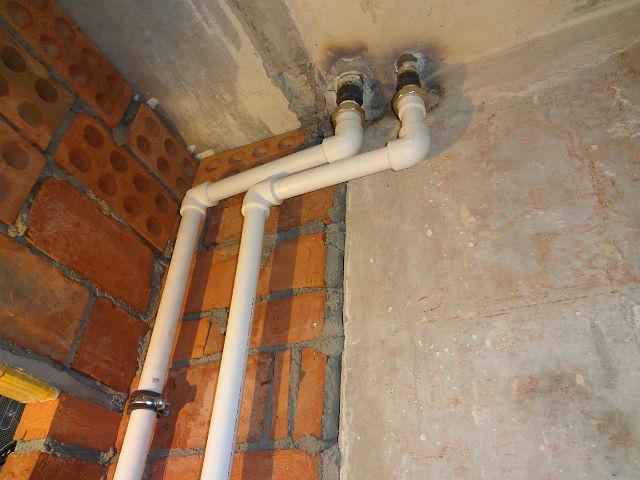 Стояки водоснабжения из пластиковых труб