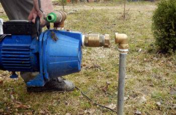 Пример подключения центробежного поверхностного насоса к выводу скважины