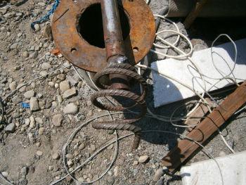 Самодельное приспособление для вытаскивания запутавшихся в проводах насосов