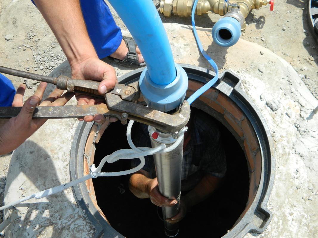 Установка скважинного центробежного насоса