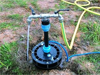 Скважина на воду - пример обустройства для двух линий из одной скважины.