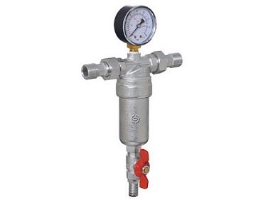 Прямой фильтр грубой очистки воды с манометром и сливным краном.