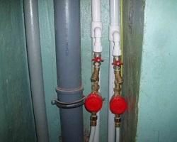 Стояки водопровода и канализации из пластиковых труб