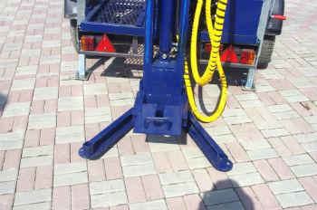 Опора автомобильной мини-установки для бурения скважин