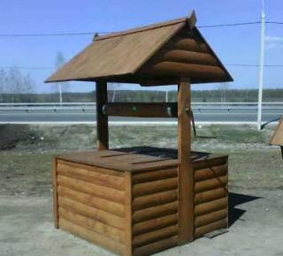 Простейший домик на колодец с крышей и двумя подпорками