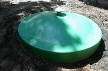Пластиковая крышка на скважину или кессон