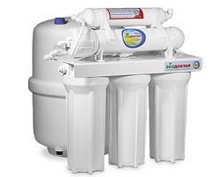 Трехступенчатый проточный фильтр для воды
