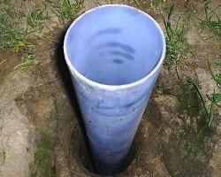 Обсадная пластиковая труба в скважине