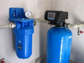 Установка обезжелезивания и фильтрации с дополнительным картриджным фильтром.