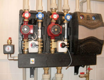 Пример подключения циркуляционных насосов в системе отопления