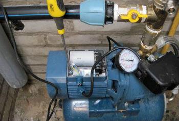 Схема подключения реле давления к гидроаккумулятору и поверхностному насосу