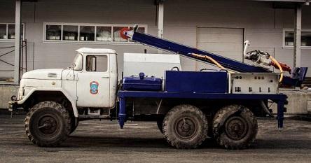 Буровая установка УРБ-74 на основе грузовика ГАЗ