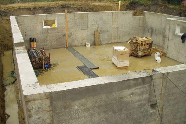 Об устройстве вытяжки для подвала следует позаботиться еще на этапе строительства здания