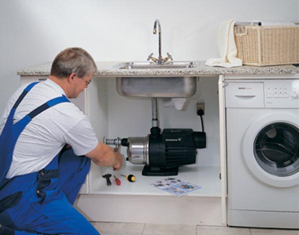 Монтаж насоса в канализационную систему